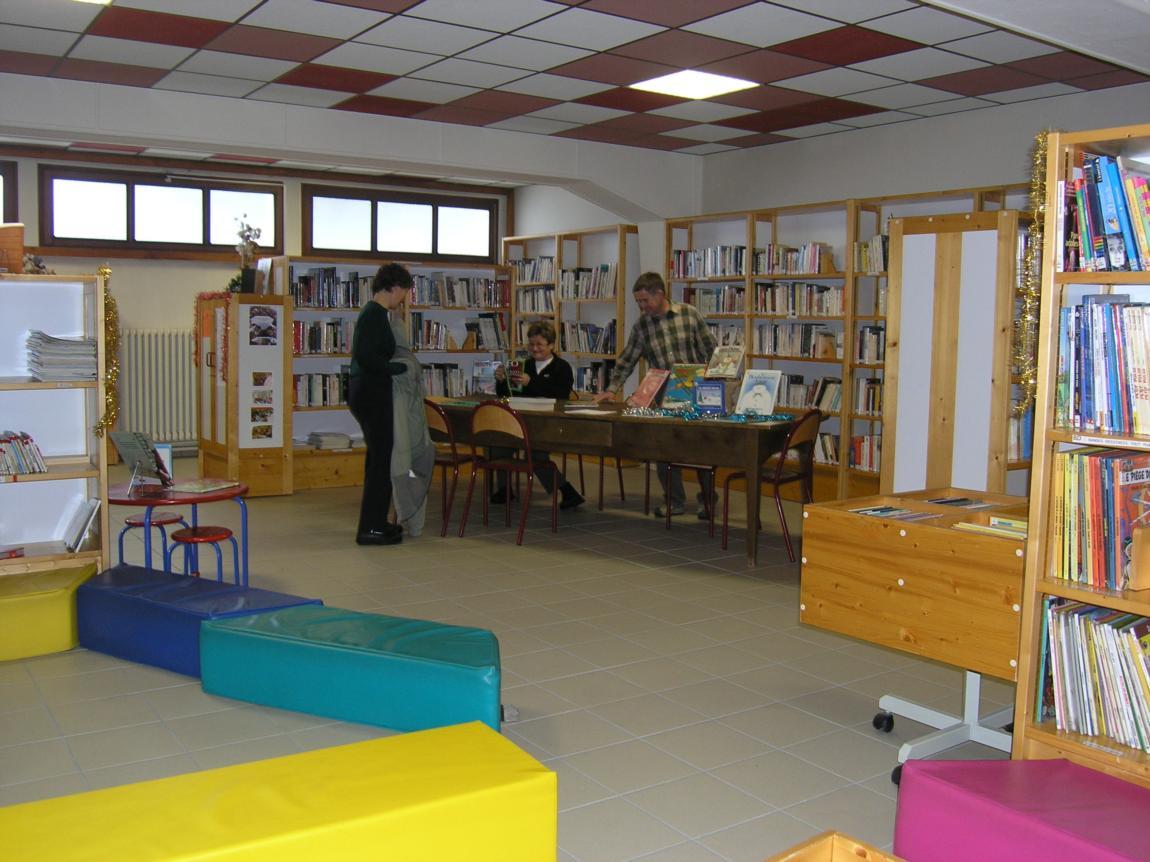 Bibliothèque d'Arêches.