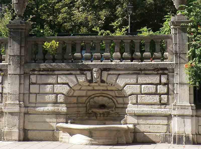 La fontaine vasques de la rue Montorge