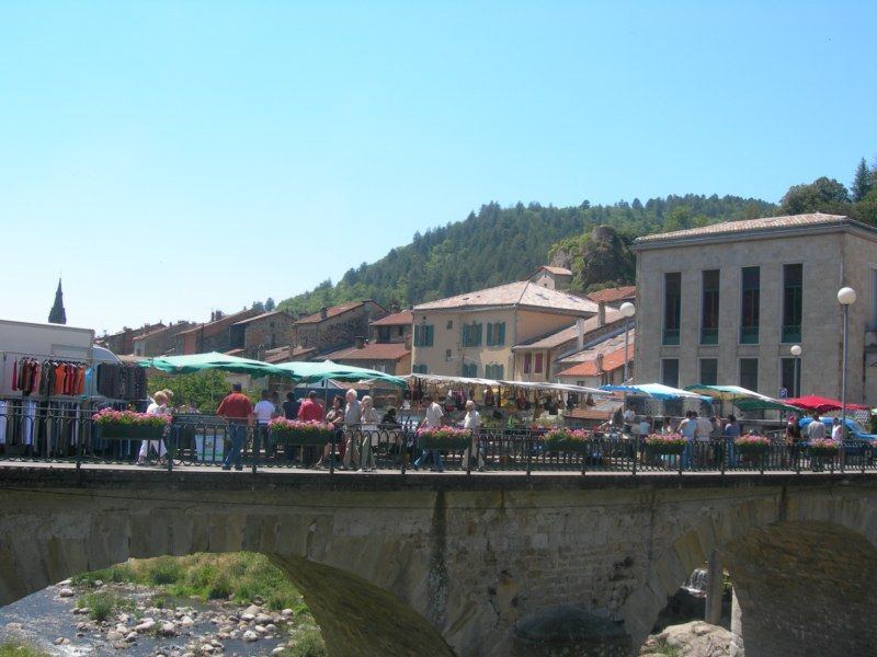 Marché de Vals-les-Bains - Vals-les-Bains