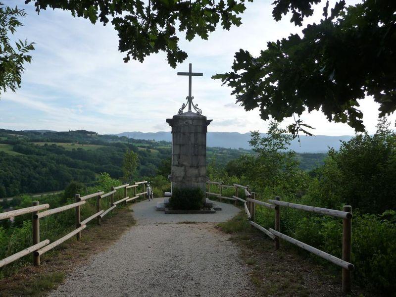 L'oratoire et le panorama sur le Jura