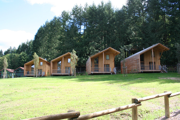 Chalets eco prestige du lac des sapins beaujolais vert site officiel de l 39 office de tourisme - Office tourisme beaujolais ...