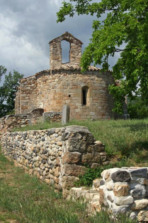 A dénicher : Eglise romane St Julien