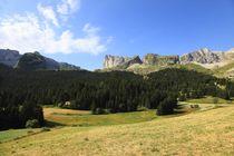 Le Dévoluy et Le Pic de bure (2709 mètres) - © Gilles Piel