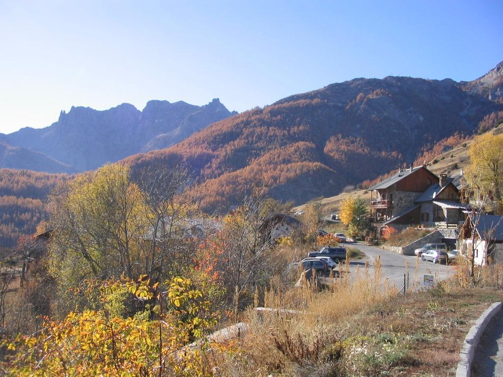 Hameau de Puy Chalvin à l'automne