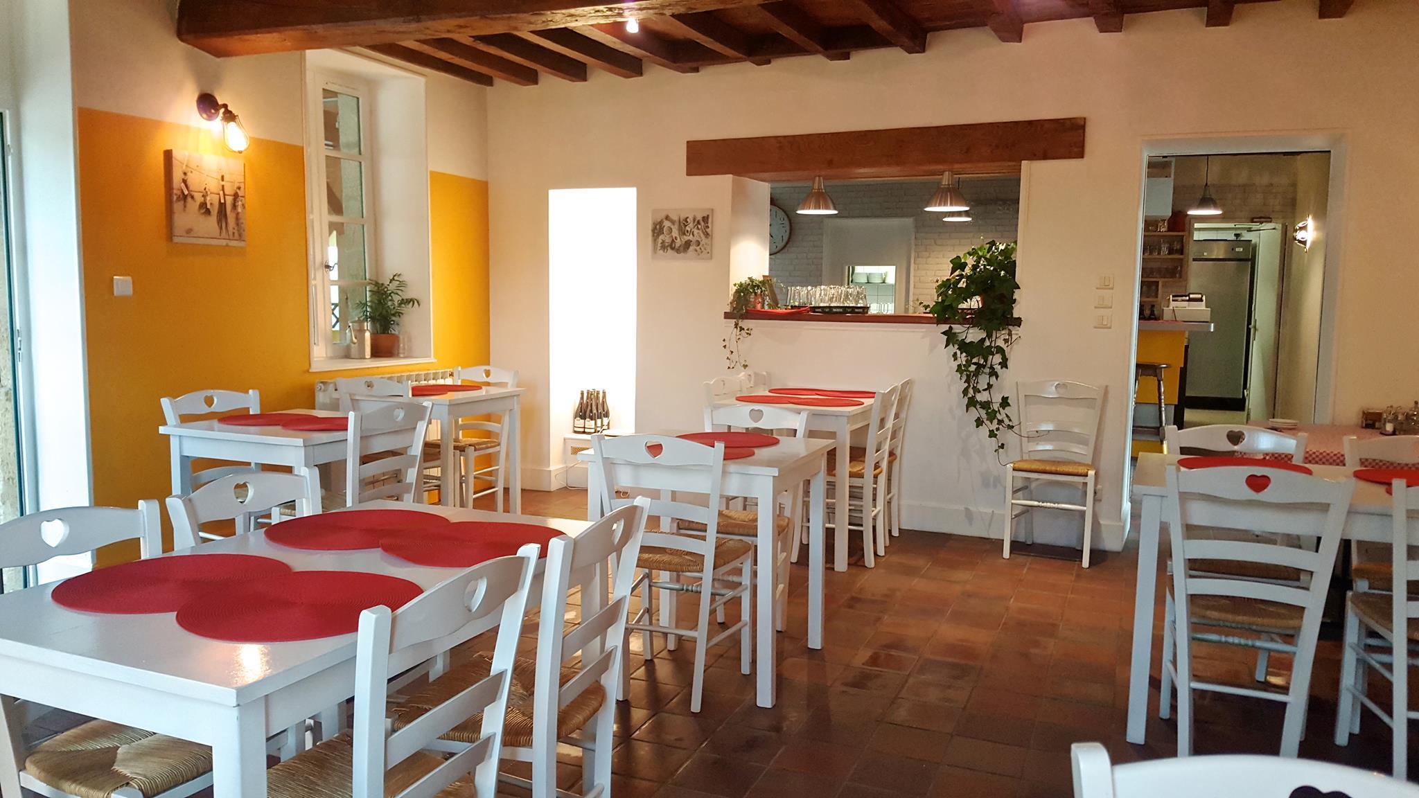 Salle du restaurant Ⓒ Auberge St Martin Coulandon