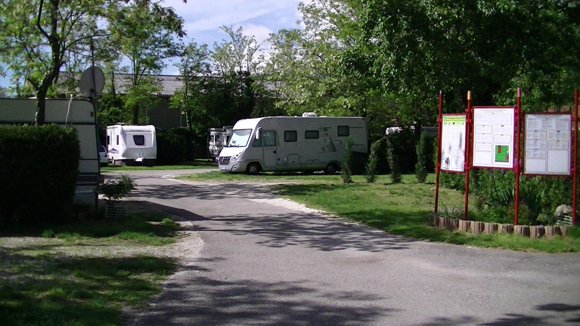 Camping Les Trois Pucelles