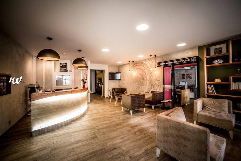 Hôtel-restaurant des Bourbons Réception hôtel Ⓒ Hôtel-restaurant des Bourbons