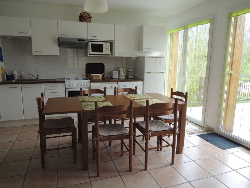 Séjour Cuisine Meublé Mme ATHENOUR Location Les Astiers Saint Bonnet en Champsaur - © ATHENOUR
