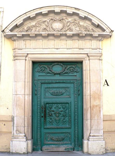 Porte des Jésuites Lycée Stendhal