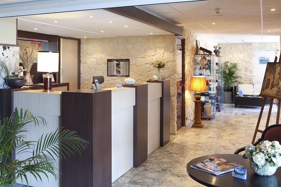 hotel-2etoiles-aixlesbainsrivieradesalpes-poete-reception