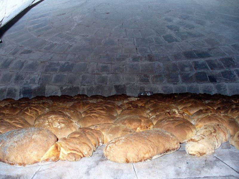 Cuisson Traditionnnelle du Pain Bouilli - � ©E.Vannard pour le PNE
