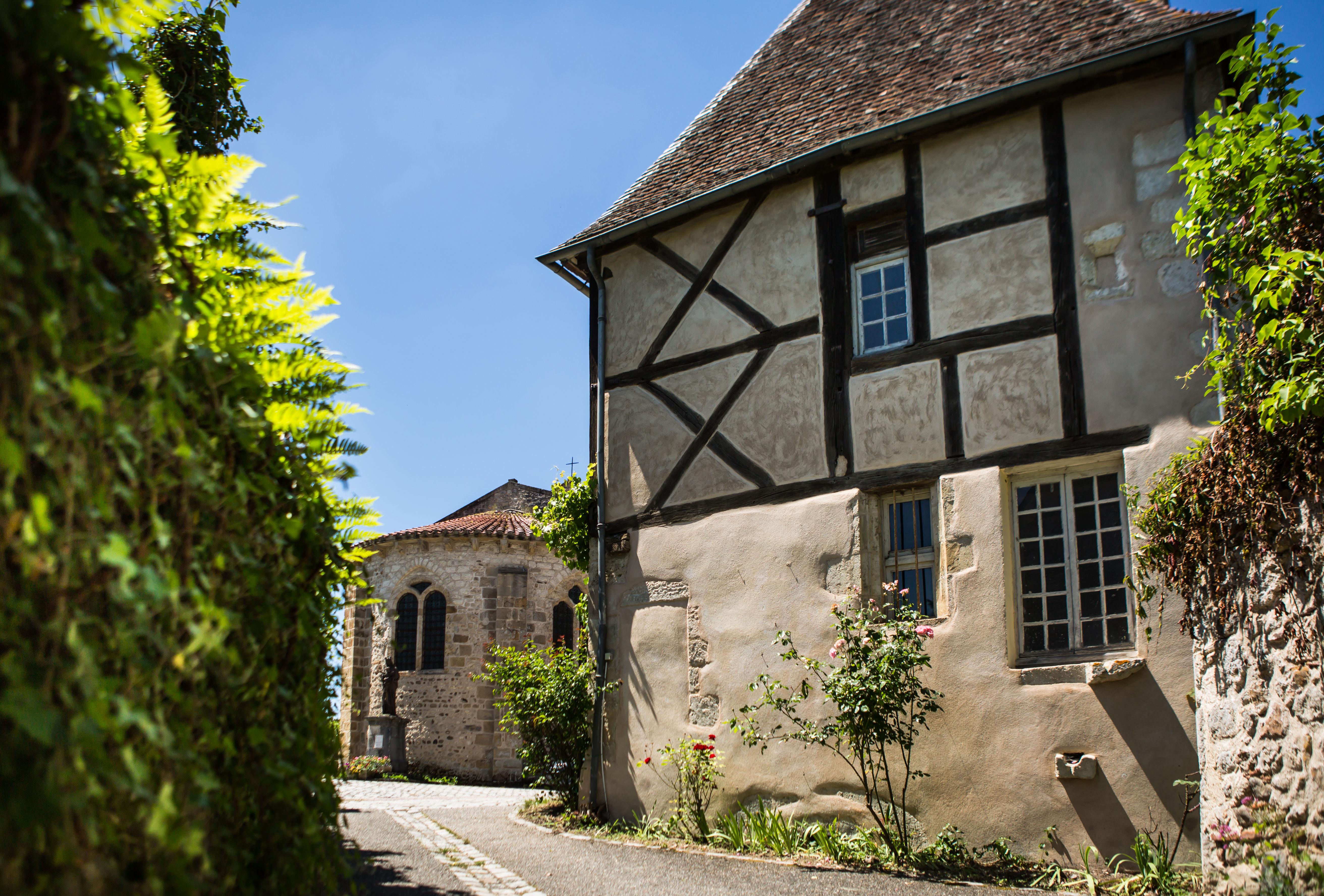 Village de Verneuil-en-Bourbonnais Ⓒ Olivier Octobre / GTMC-VTT