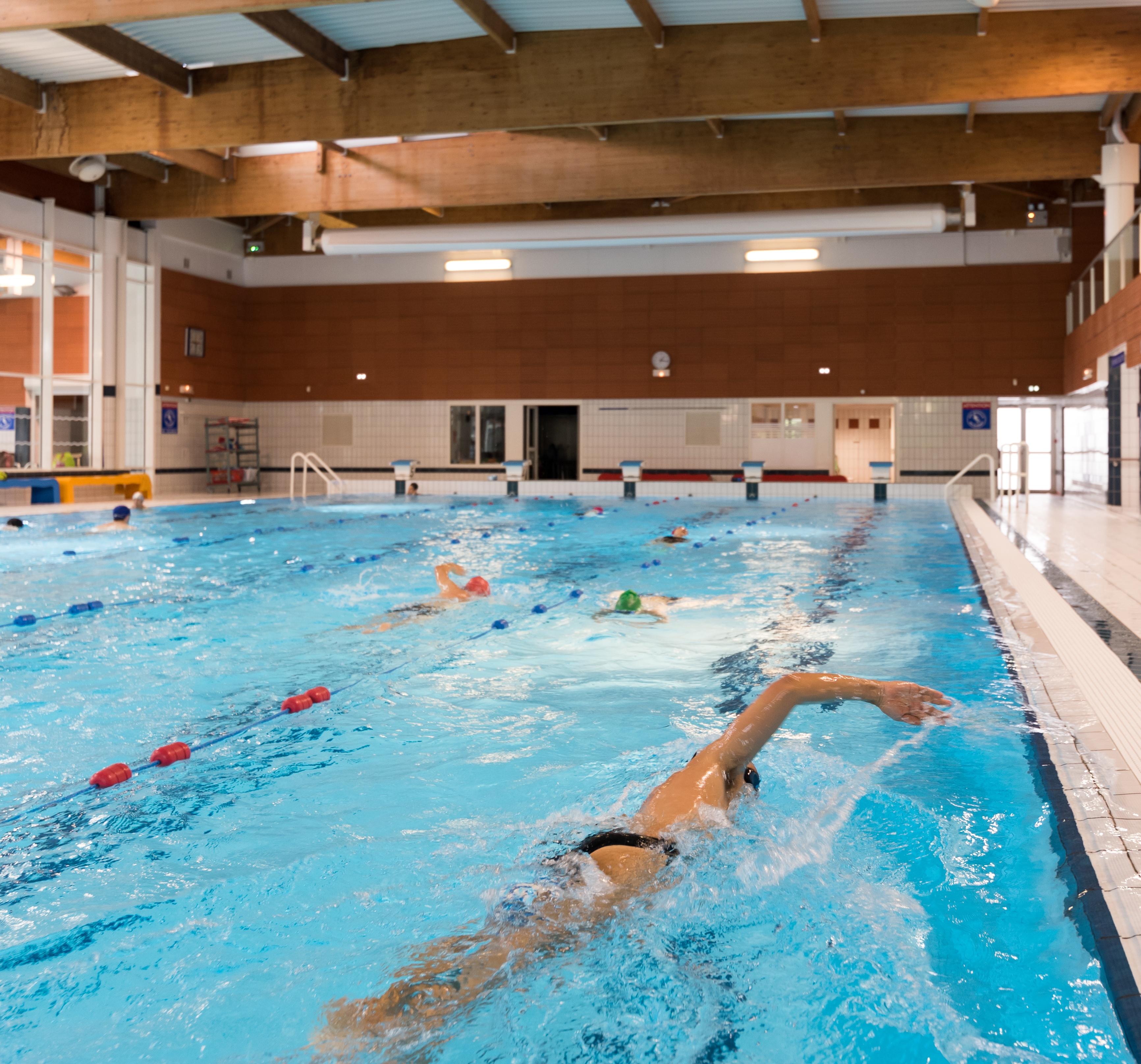 Auvergne rh ne alpes tourisme piscine aqualude - Piscine aqualude montbrison ...
