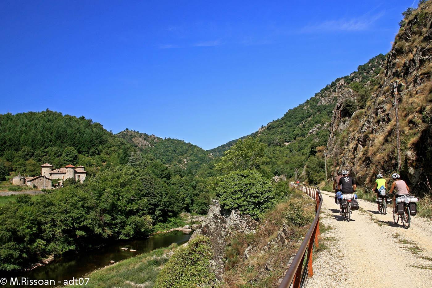Vélo sur les voies vertes et voies douces : La Dolce Via de La Voulte sur Rhône à Saint-Agrève