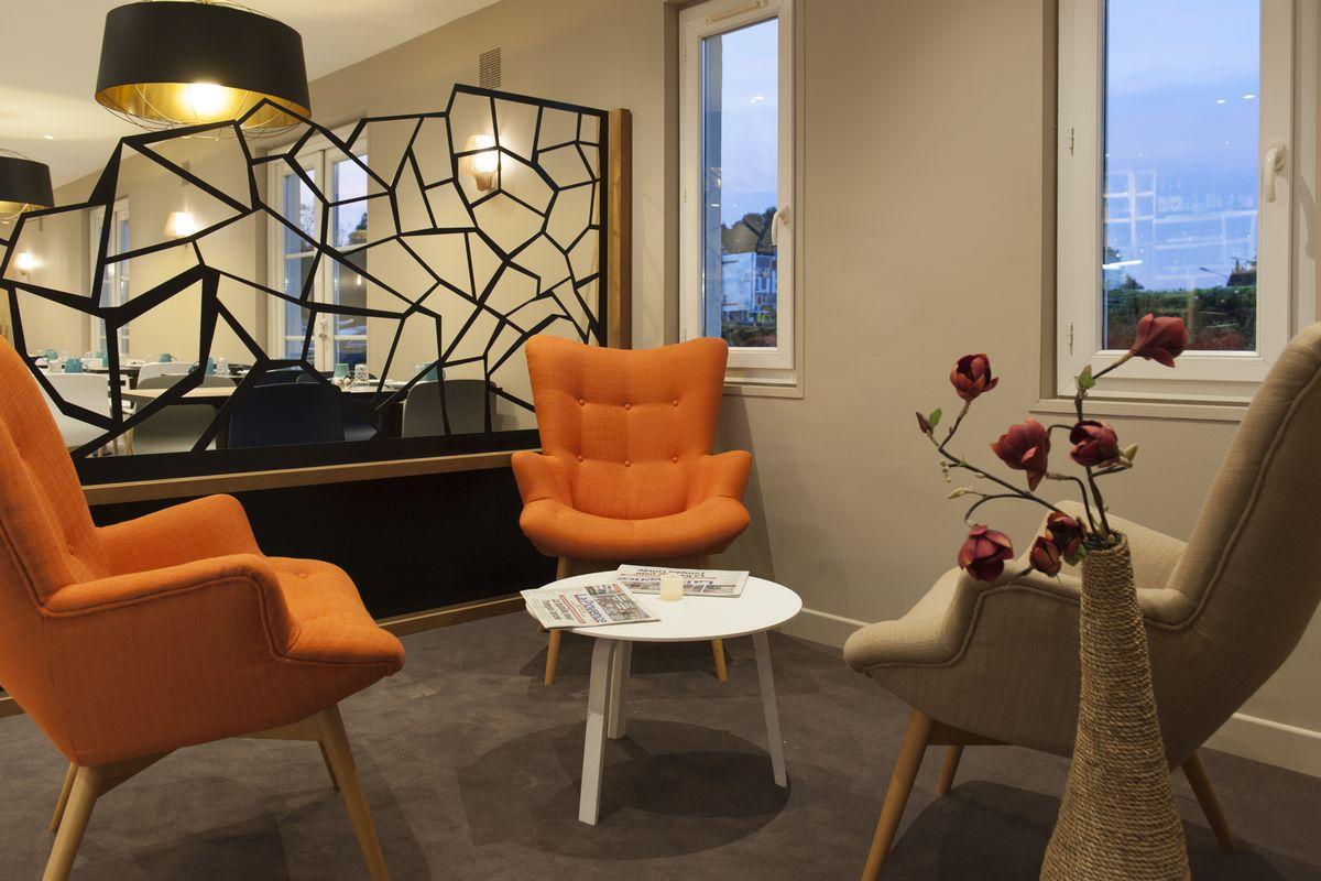 Brit'Hotel Avignon Sud – Le Calendal