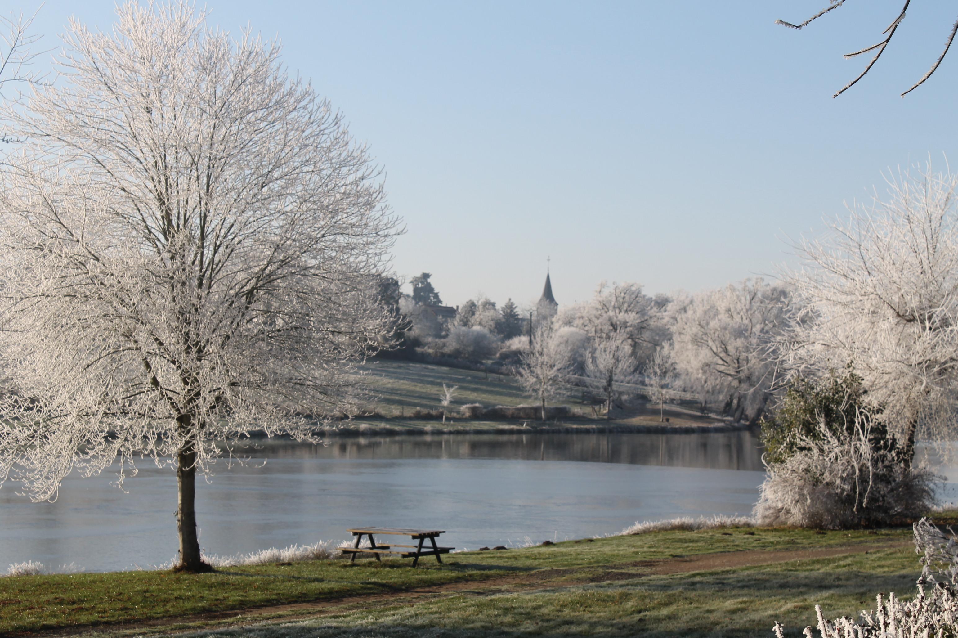 Plan d'eau St-Gérand-de-Vaux Hiver Ⓒ @MairieStGéranddeVaux2017