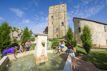 Donjon de la Toque à Huriel Vu depuis le parc du donjon Ⓒ Luc Olivier/CDT 03