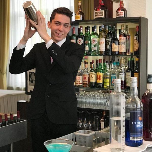 Barman en action