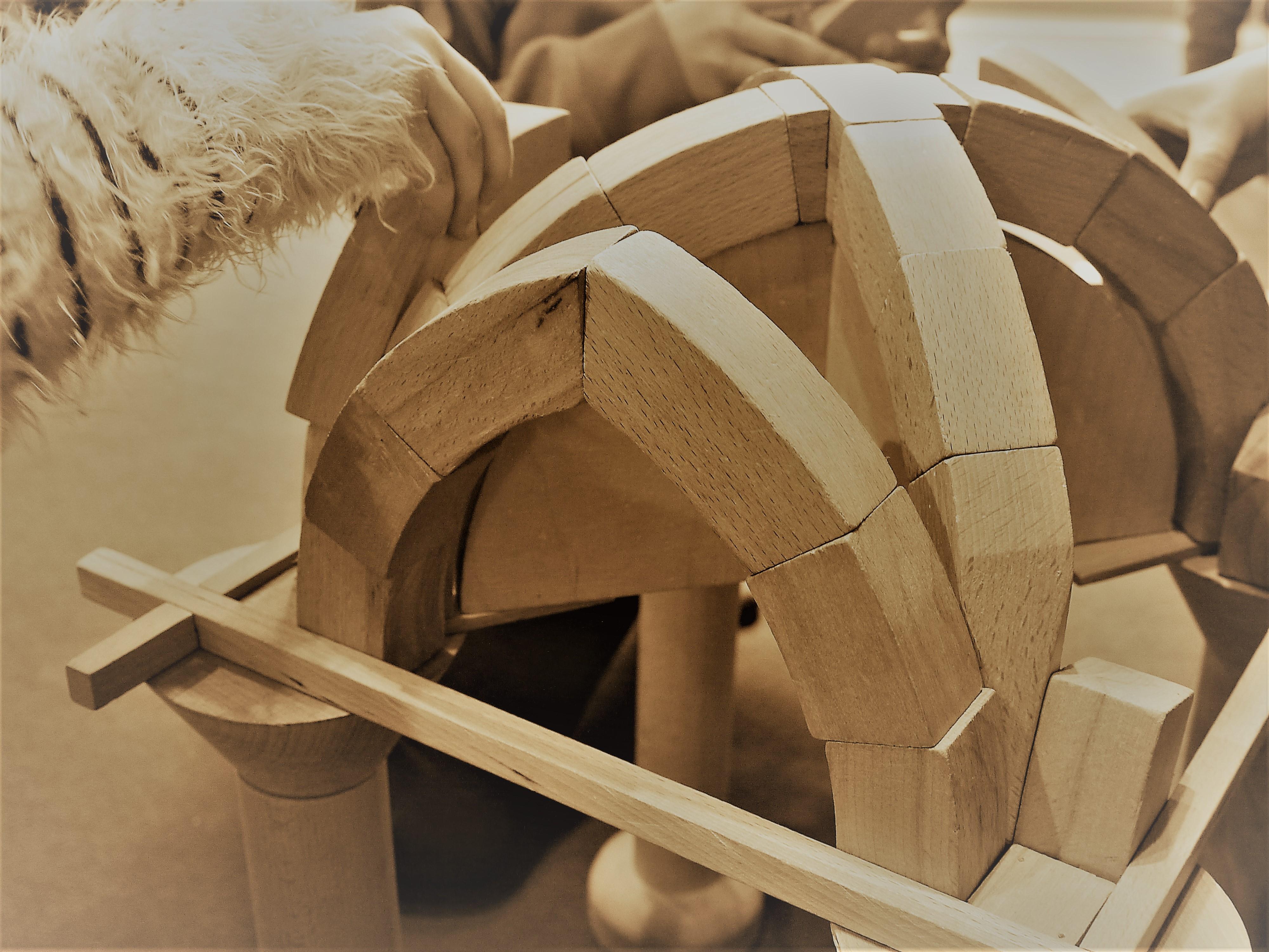Patri'mômes : L'art de bâtir, arcs et voûtes