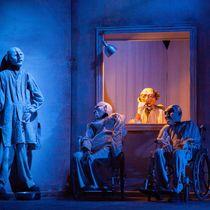 Footsbarn théâtre Pièce : Nid de Coucou Ⓒ Jean-Pierre Estournet