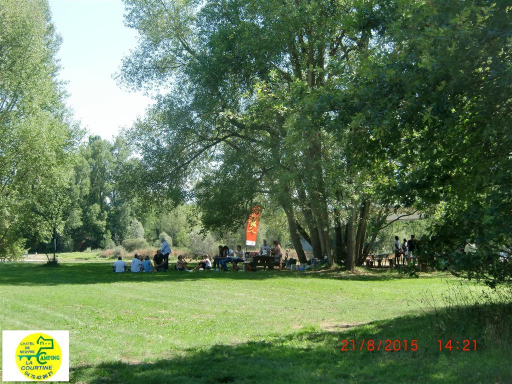 Pique-nique plage La Courtine Ⓒ Norbert Niem, Camping La Courtine