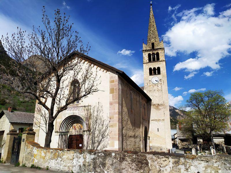Eglise Saint Marcellin de Névache - © FGuffroy