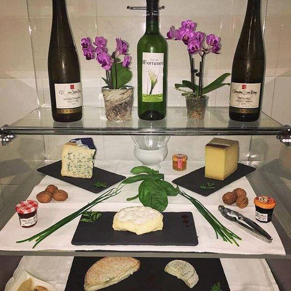 assortiment vins et fromages