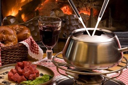 Chez robert le traiteur du st bernard la rosi re - Appareil a fondue savoyarde traditionnel ...