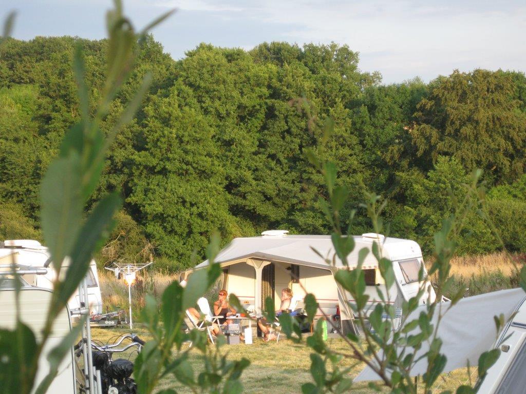 Camping Bonneblond Emplacements caravane Ⓒ Camping Bonneblond