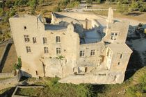 vue_aerienne_chateau_lacoste_