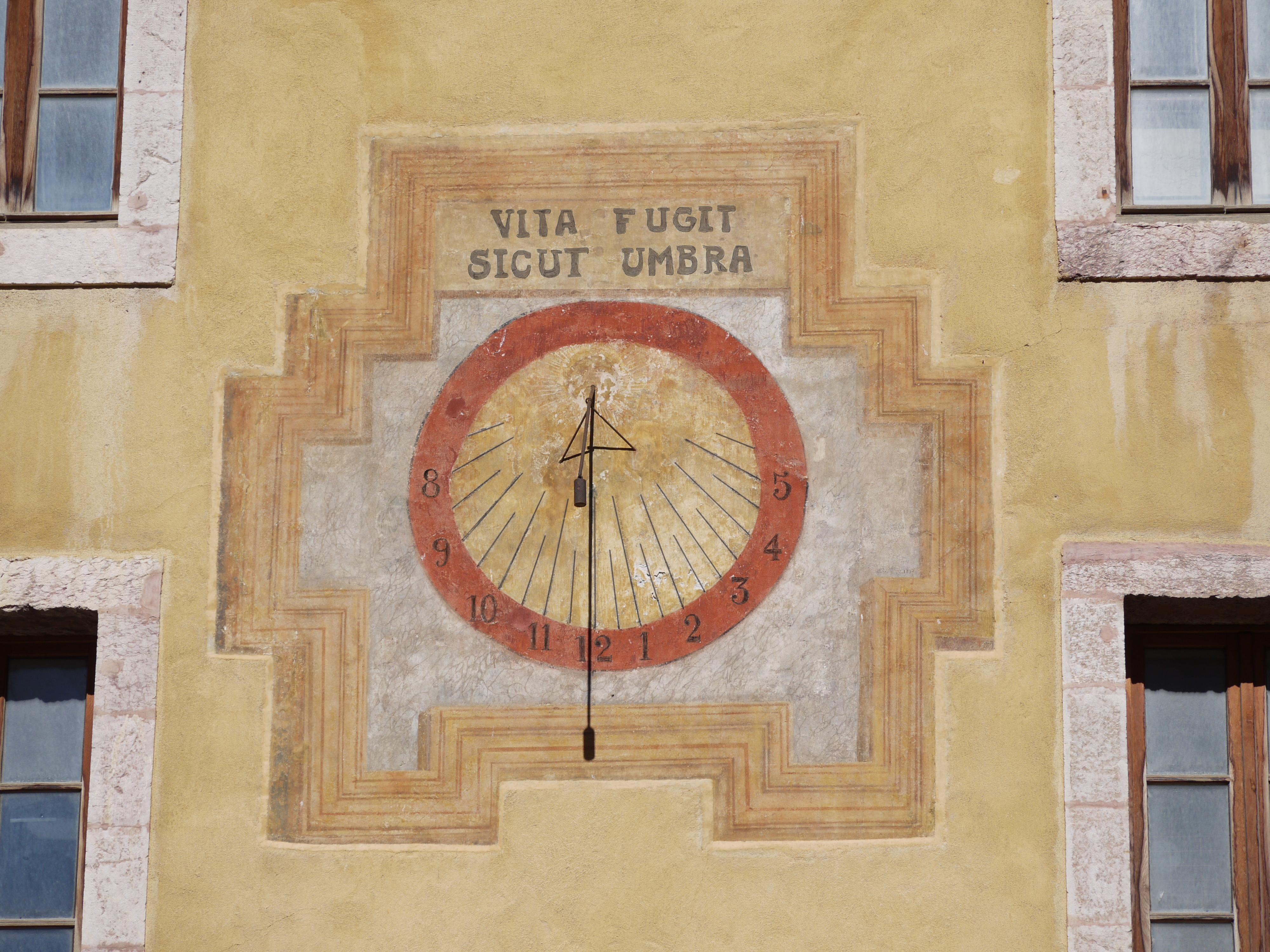 Visite : À la bonne heure, cadrans solaires et horloges de Briançon
