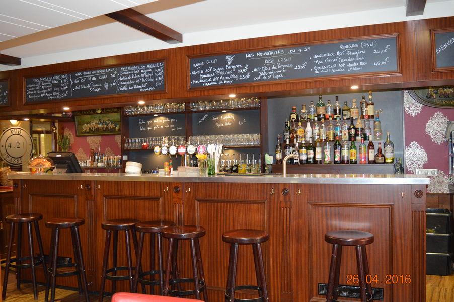 Restaurant pub 421_bar