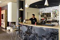 Hôtel Ibis Bar Ⓒ Hôtel Ibis