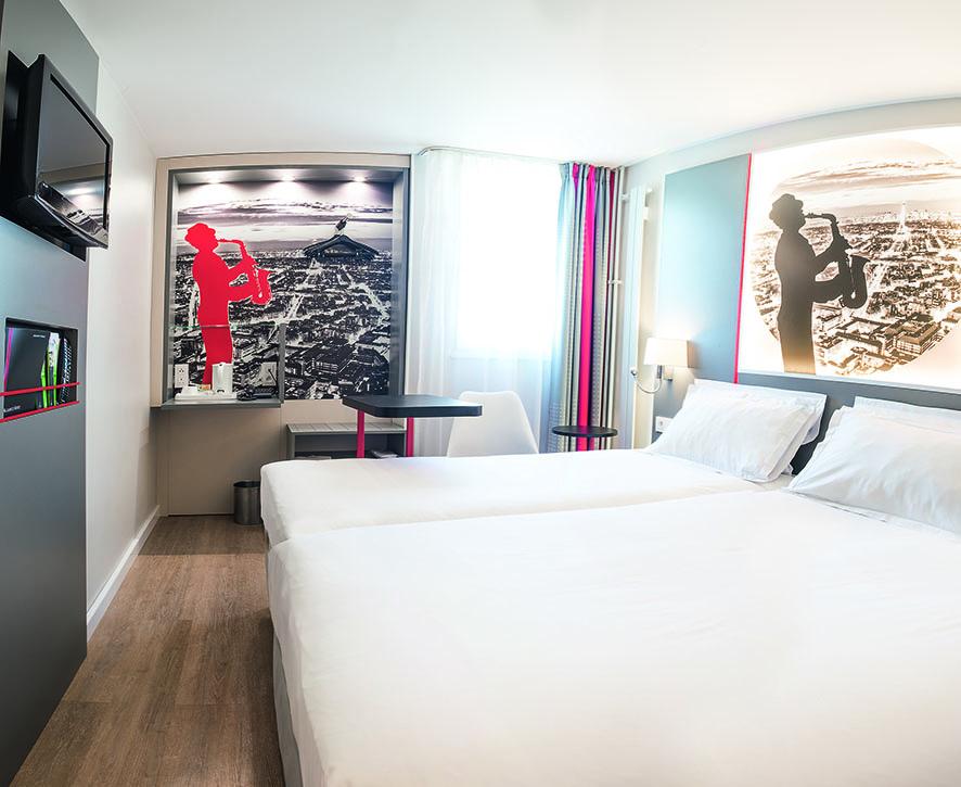kyriad paris nord porte de saint ouen saint ouen. Black Bedroom Furniture Sets. Home Design Ideas