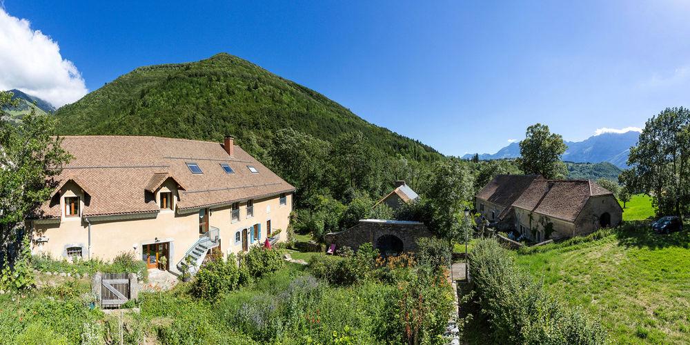Gîte d'étape/séjour La Grange de Brudour à Aspres-les-Corps, Valgaudemar - © Bertrand Bodin
