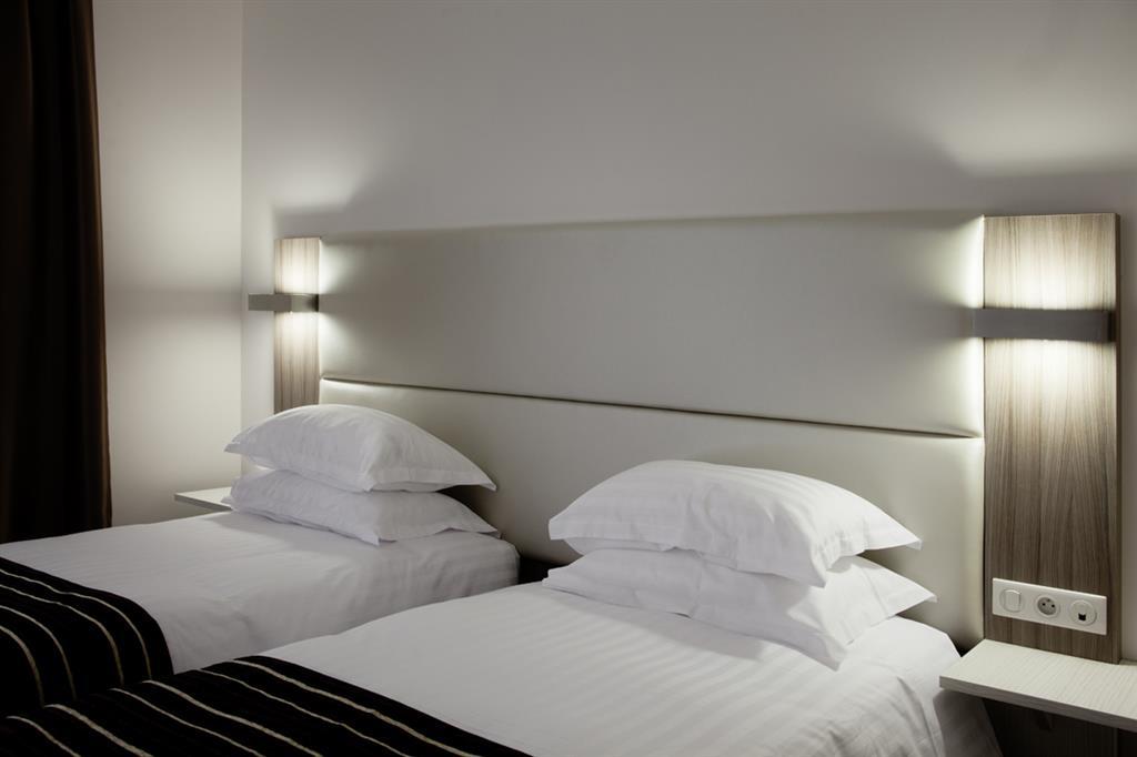 Hôtel de Grignan Chambre 2 lits Ⓒ Hôtel de Grignan - 2015