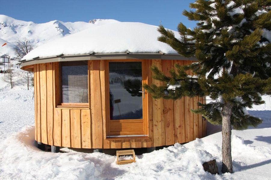 la yourte du col du festre hautes alpes. Black Bedroom Furniture Sets. Home Design Ideas