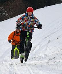 Trottinette Fat électrique sur neige