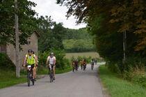 Cyclos sur une route de campagne Ⓒ Didier BOULICOT