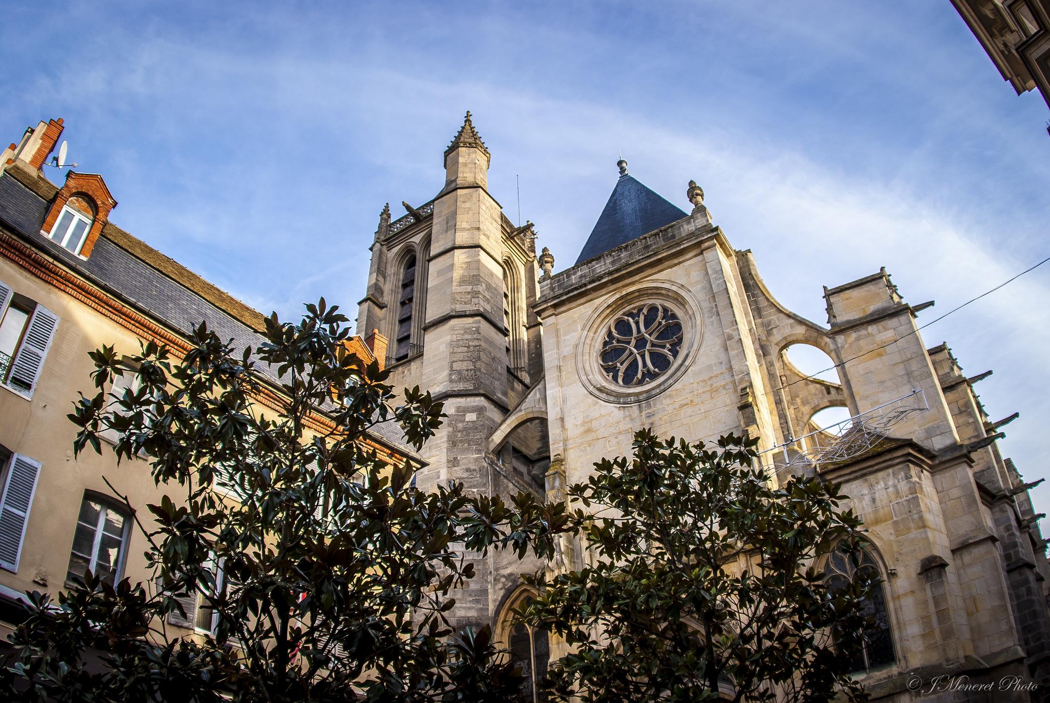 Eglise St Aspais - © J Meneret