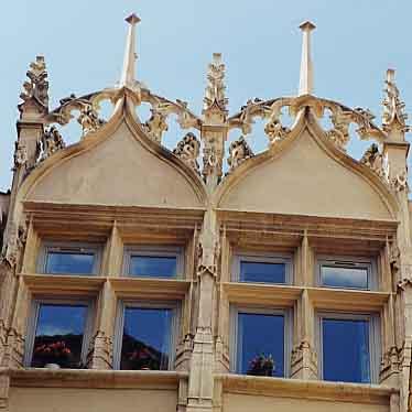 Coeur historique de villefranche villefranche sur sa ne patrimoine culturel lyon et dans le - Chambre de commerce de villefranche ...