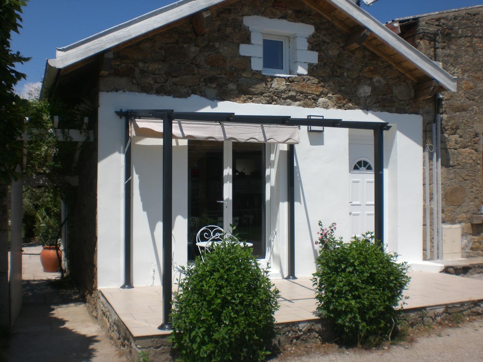 Location M. Patrick Rouchon (Saint-Romain-dAy,Ardèche), Fu