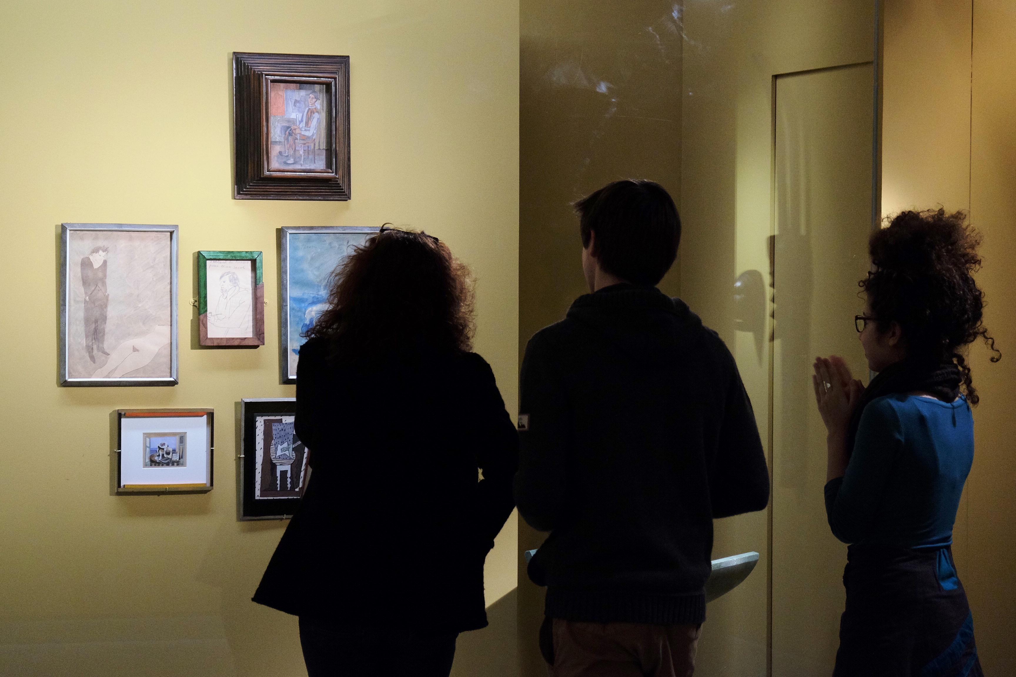Picasso : Autoportrait_Le couple_Rêverie_Arlequin assis_Nature morte à la guitare devant la fenêtre ouverte_Nature morte cubiste