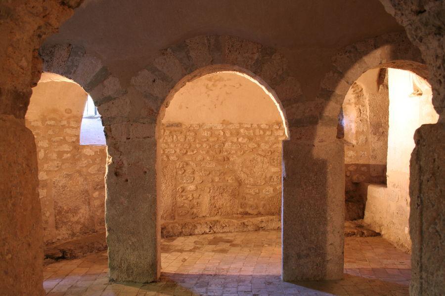 Eglise Saint Laurent-aixlesbainsrivieradesalpes-Crypte