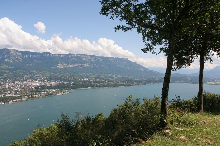 Vue sur sud du lac du Bourget