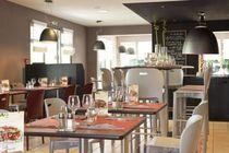 Le Restaurant Avermes Tables dressées