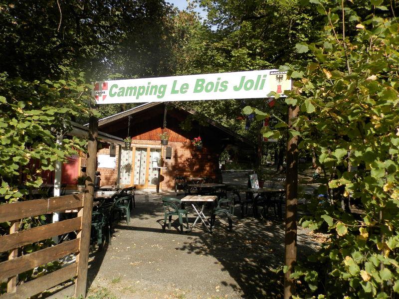 Camping le bois joli maurienne tourisme for Camping le bois joli saint martin sur la chambre