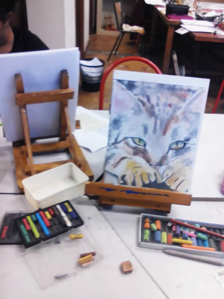 Atelier Tête de l'Art Chat aux pastels par Émile 8 ans Ⓒ Atelier Tête de l'Art