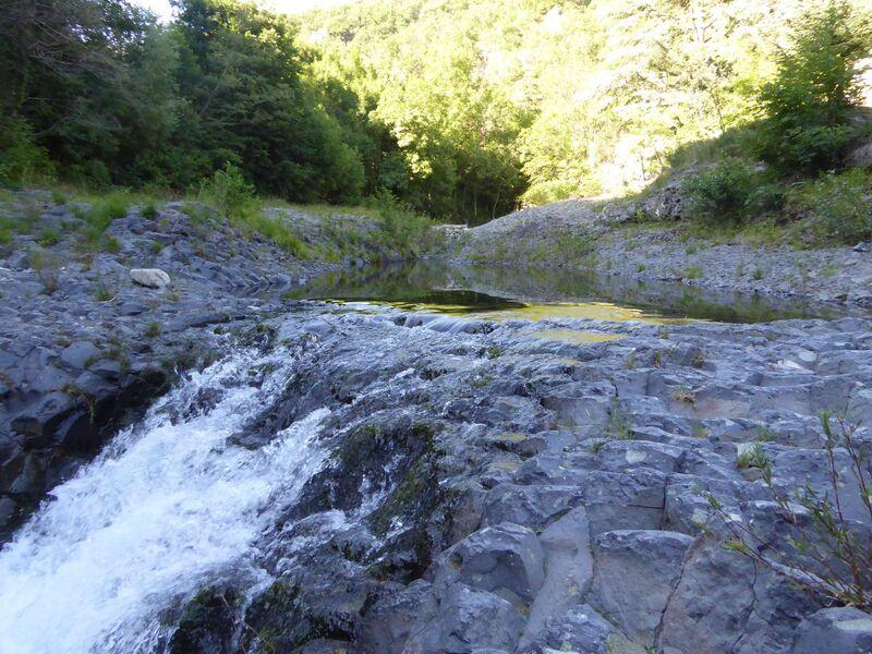Rando volcanique : La coulée basaltique de la vallée de la Bourges avec Ardèche Randonnées - Burzet