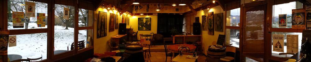 648 Café // meublés classés en location sur le Massif des Brasses